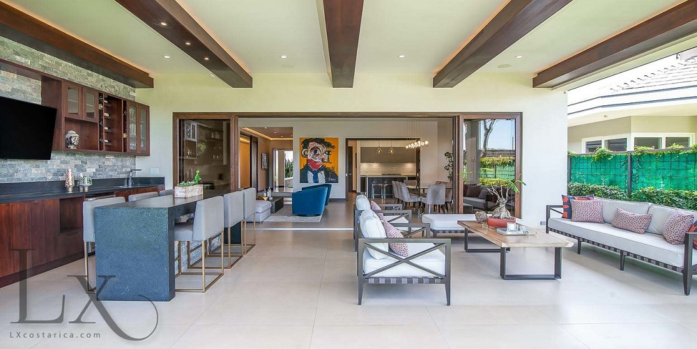4 Bedrooms Bedrooms, ,3 BathroomsBathrooms,LuxuryEstate,For sale,1010015889 MLS # 1010015889