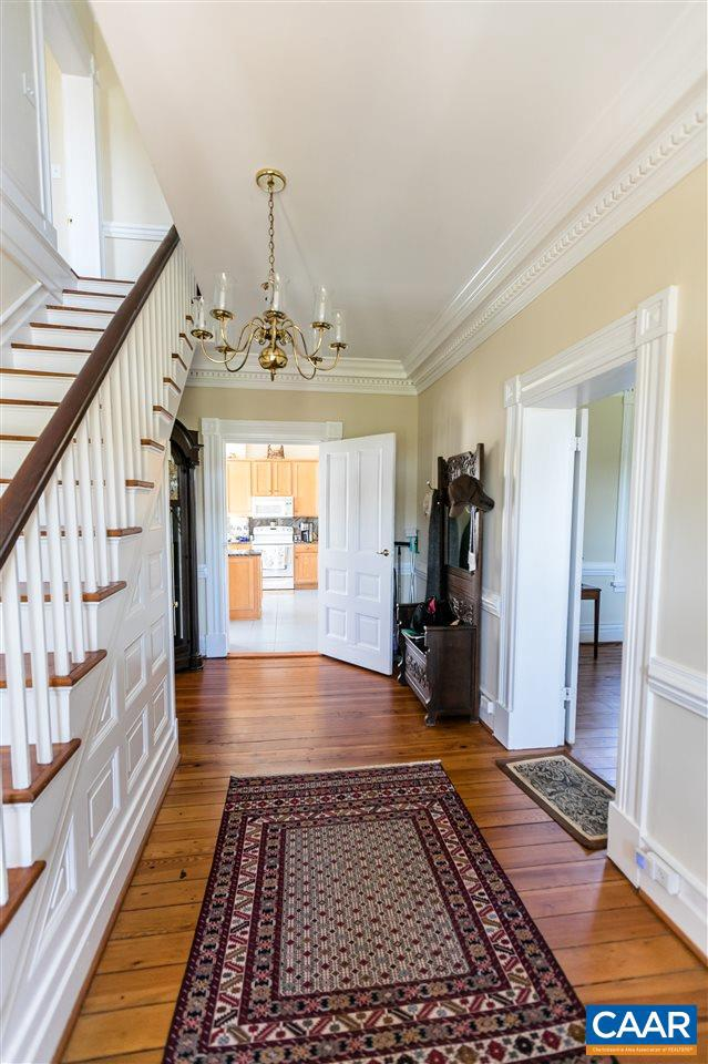 1024 SUNSET DR, AMHERST, Virginia 24521, 4 Bedrooms Bedrooms, ,4 BathroomsBathrooms,Residential,For sale,1024 SUNSET DR,598369 MLS # 598369