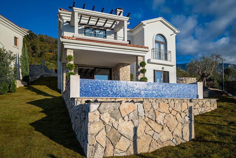 LuxuryEstate,For sale,1010015957 MLS # 1010015957